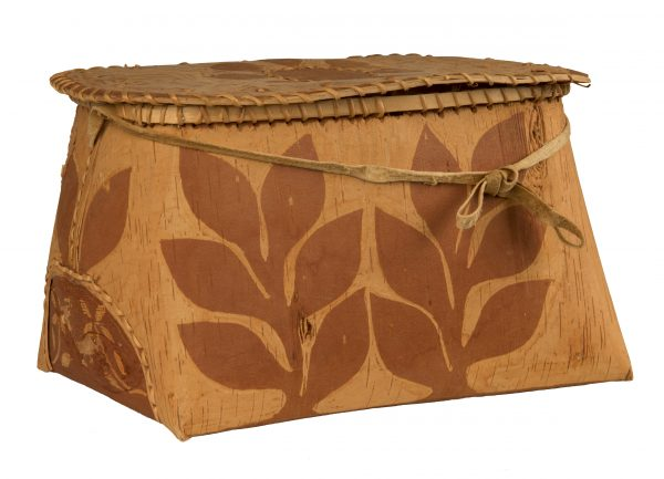 Unidentified Artist Rogan, circa 1980 Birch bark, spruce root, hide 21.6 x 33.1 x 24 cm From Our Hands Collection, Gift of the Government of Canada, 1985.